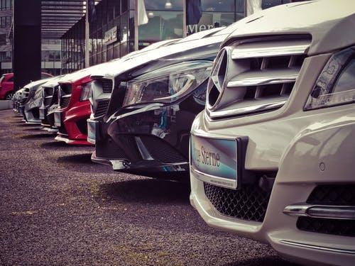 Verschillende auto's Fleet Investment Company FLINC